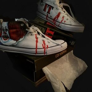 """Mens custom painted """"Pennywise the clown"""" converse"""